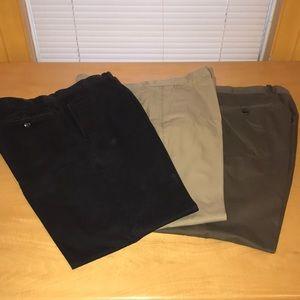 3 pairs of Gap khakis sz 38x30